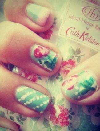 Jessica Biel's nails